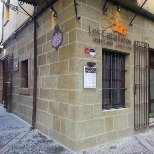 Fachada del restaurante Los Caballeros